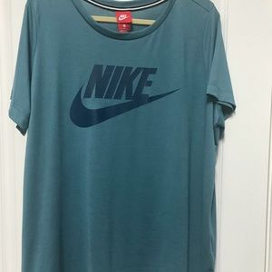 Nike ladies workout shirt 2x